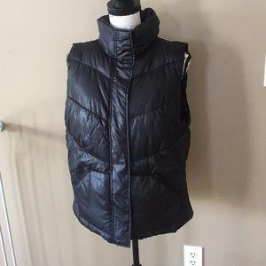 Old navy puffy black vest jacket size L women's